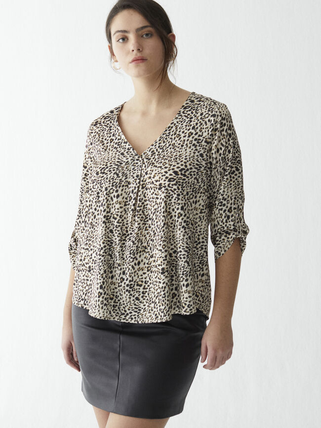 Blusa roll up animal Negro image number null