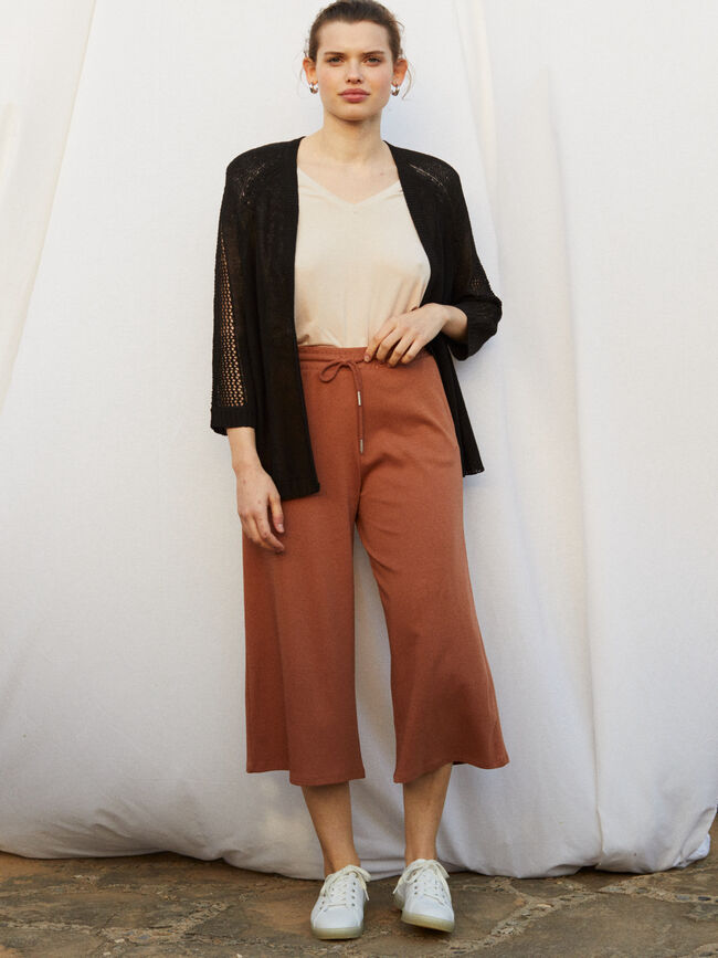 PANTALÓN PUNTO CULOTTE FIT Caramelo image number null