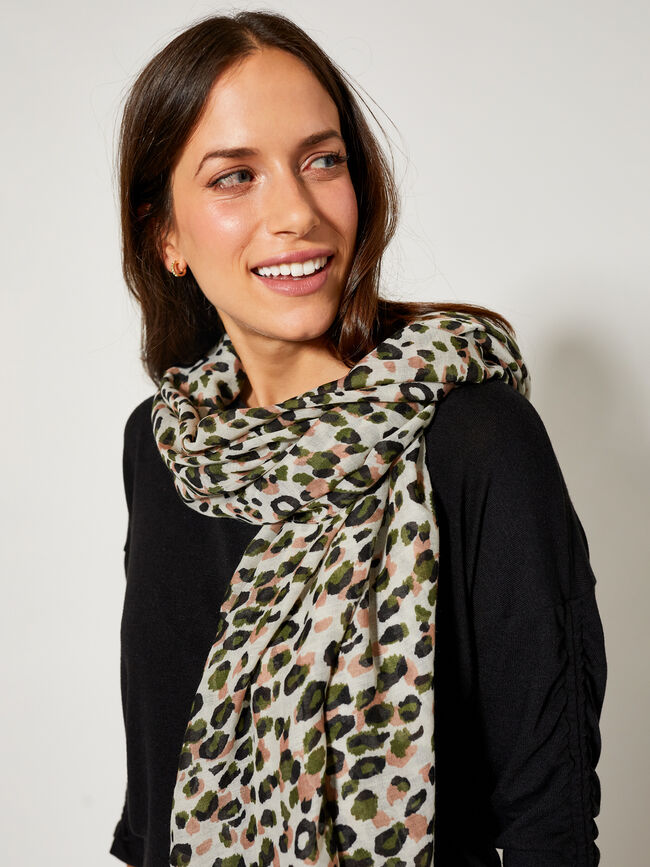 Foulard animal verde tropical image number null